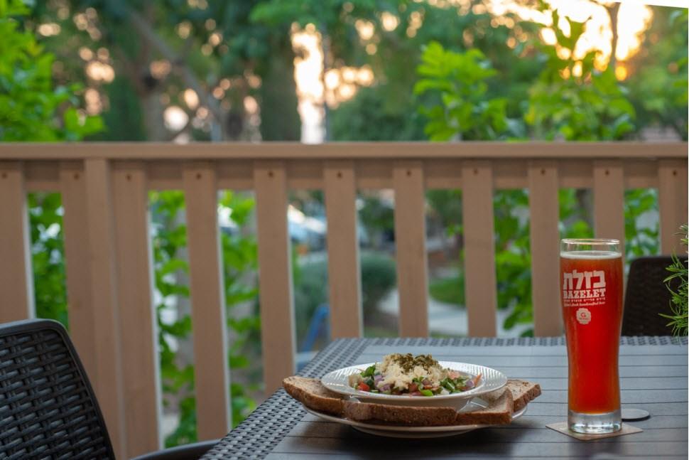 ארוחה עם נוף - כפר הנופש מזרע